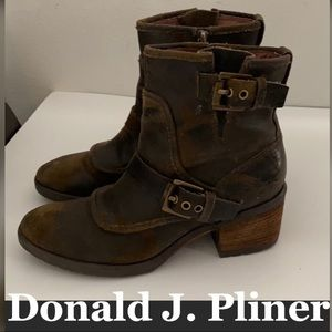 Auth Donald J. Pliner distressed leather boots 6.5